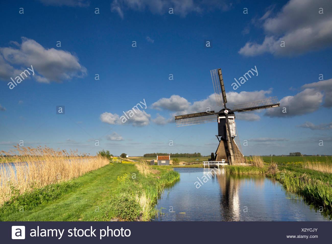 the broekmolen windmill near streefkerk - Stock Image