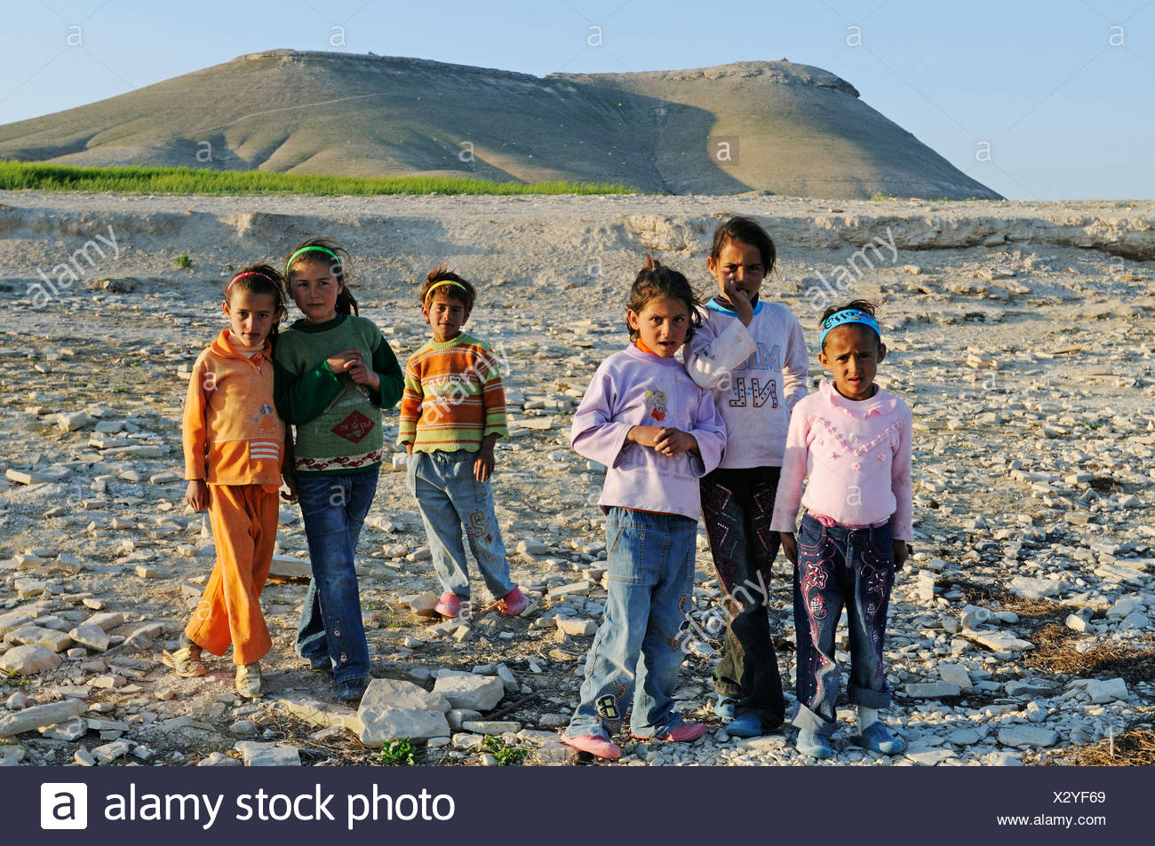 Children on the mountain Jebel Arruda at the Asad reservoir of the Euphrates, Syria, Asia Stock Photo