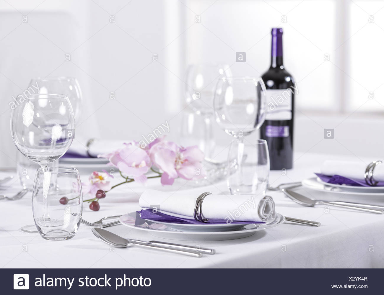 Festlich gedeckte Tafel Stock Photo