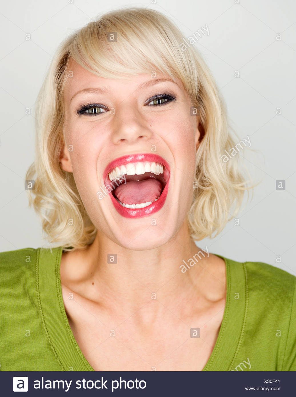 naked woman open mouth
