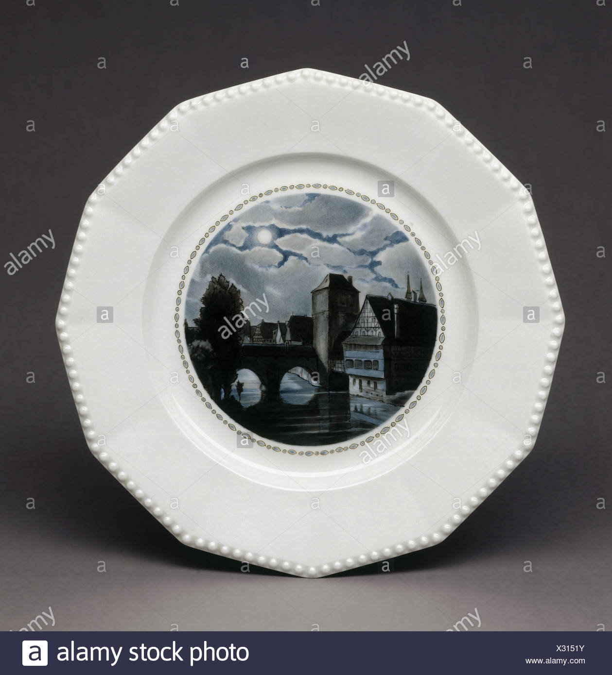 fine arts, porcelain, Nymphenburg porcelain, plate 'Perl' with 'Henkersteg at Night', 1926, design: Rudolf Sieck (decor), realisation: Rudolf Diewock, - Stock Image