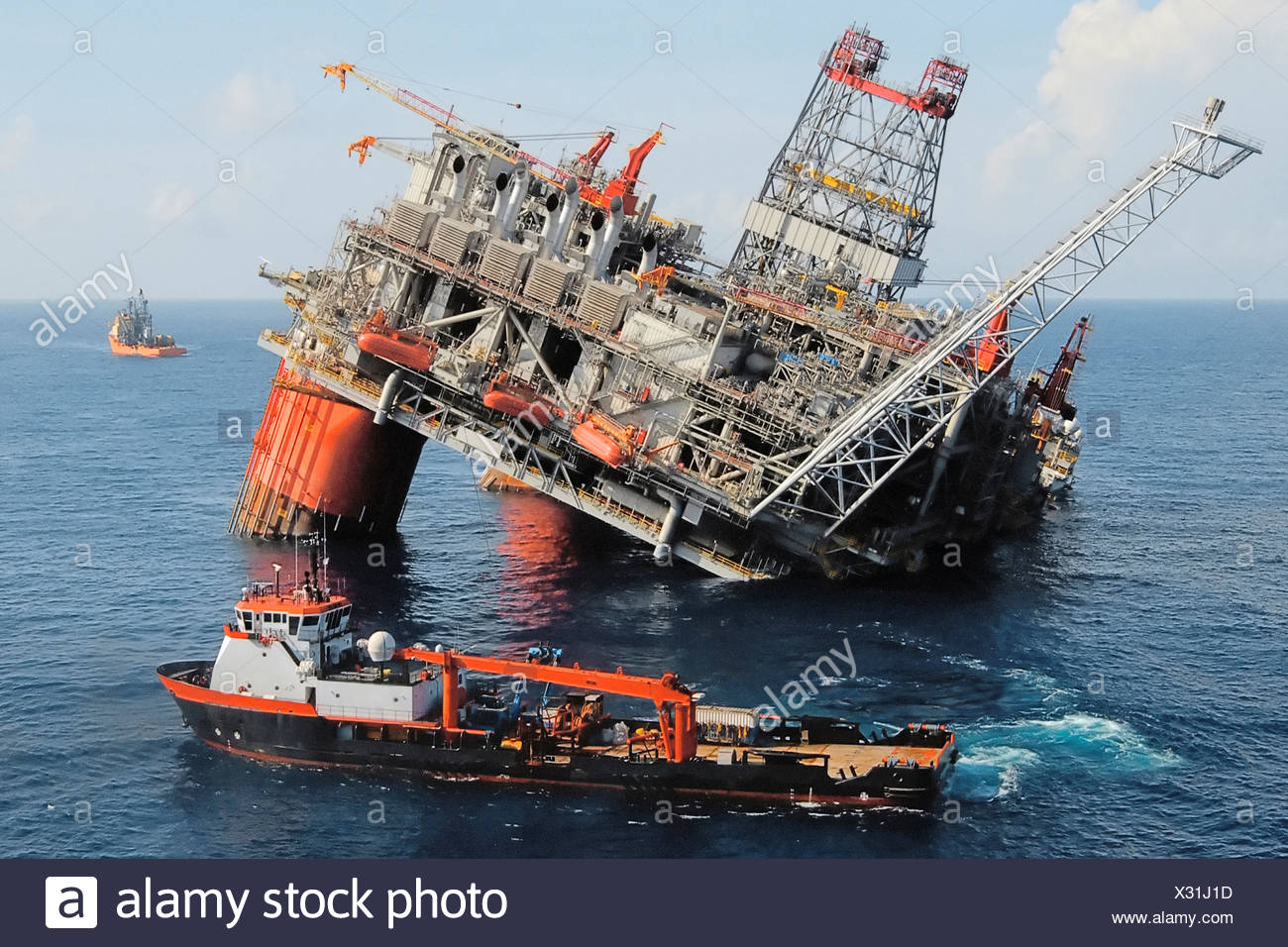 Hurricane Disaster Ship Stock Photos Amp Hurricane Disaster Ship Stock Images Alamy