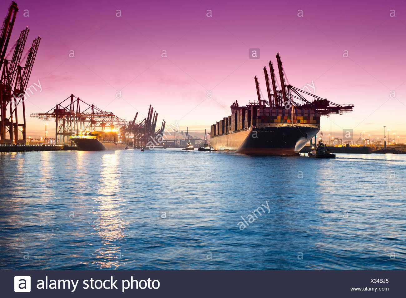 Germany, Hamburg, Parkhafen, harbour, Elbe, container ship - Stock Image