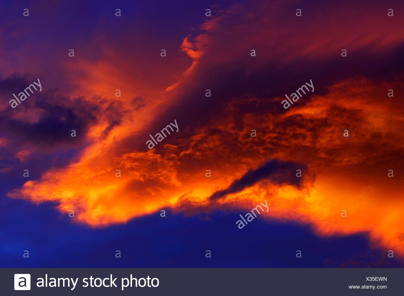 Colourful clouds at sunset, Jasper National Park, Alberta, Canada - Stock Image