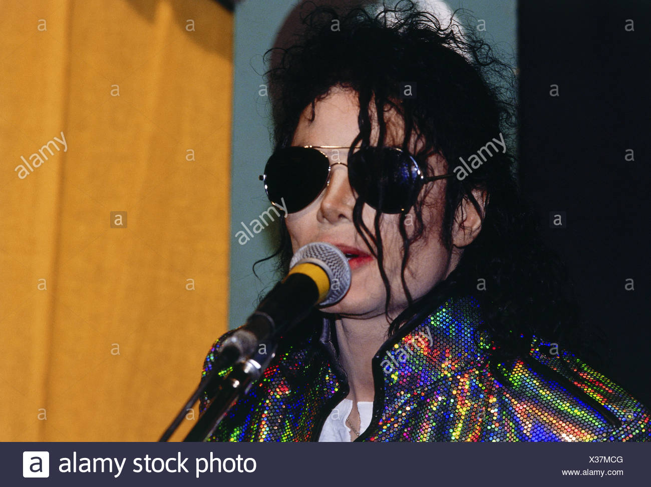 Jackson, Michael, 29.8.1958 - 25.6.2009, American musician (pop singer), audience during his concert, Olympiastadion, Munich, Germany, 28.6.1992, Additional-Rights-Clearances-NA - Stock Image