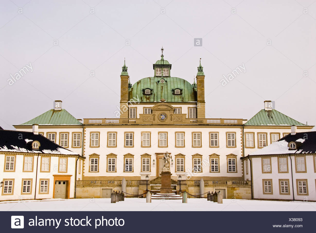 Fredensborg castle in Fredensborg Sealans, Denmark. Summer castle and summer residens to Her majesty Queen Margrethe the 2 of - Stock Image