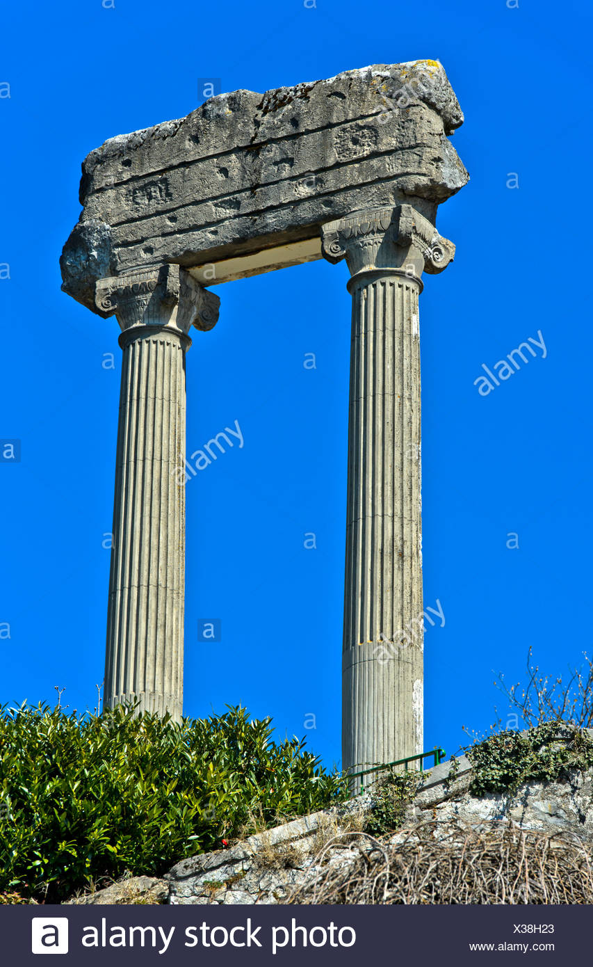 Corinthian columns from Noviodunum Helvetiorum, Nyon, Vaud, Switzerland Stock Photo
