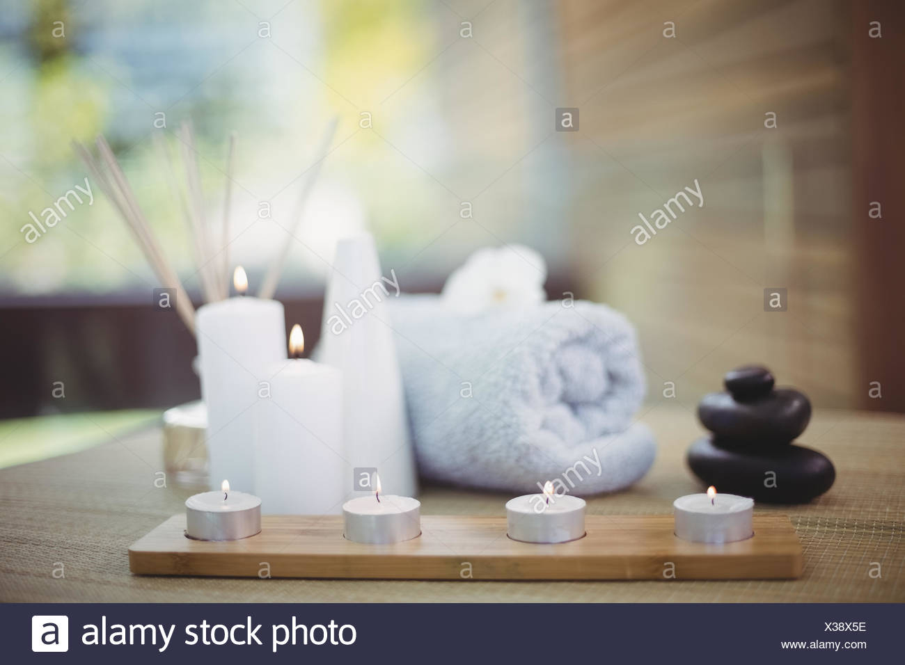 Tray of beauty therapy items - Stock Image
