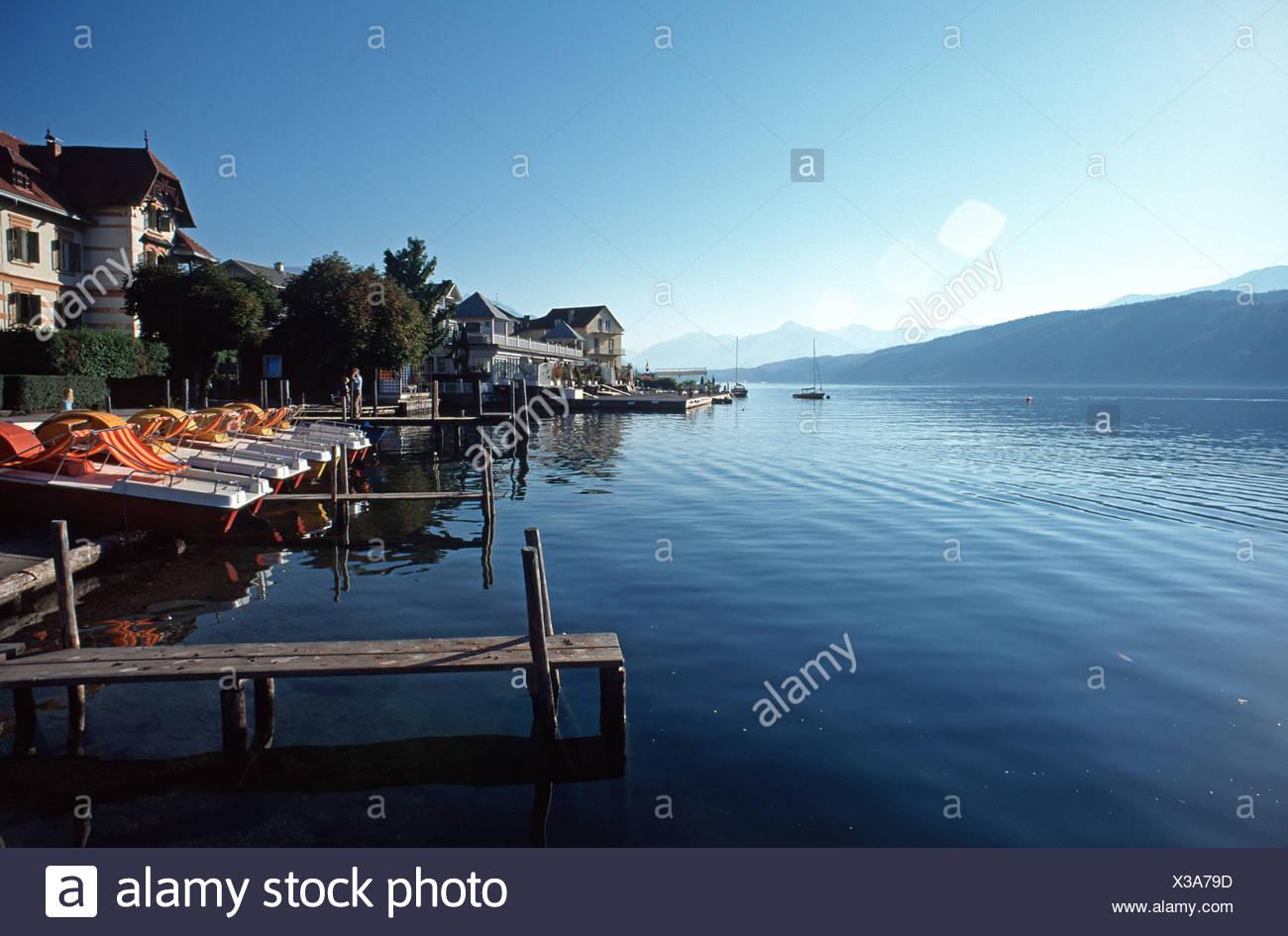 Lakeside boardwalk at Lake Millstatt, Millstatt, Carinthia, Austria, Europe - Stock Image