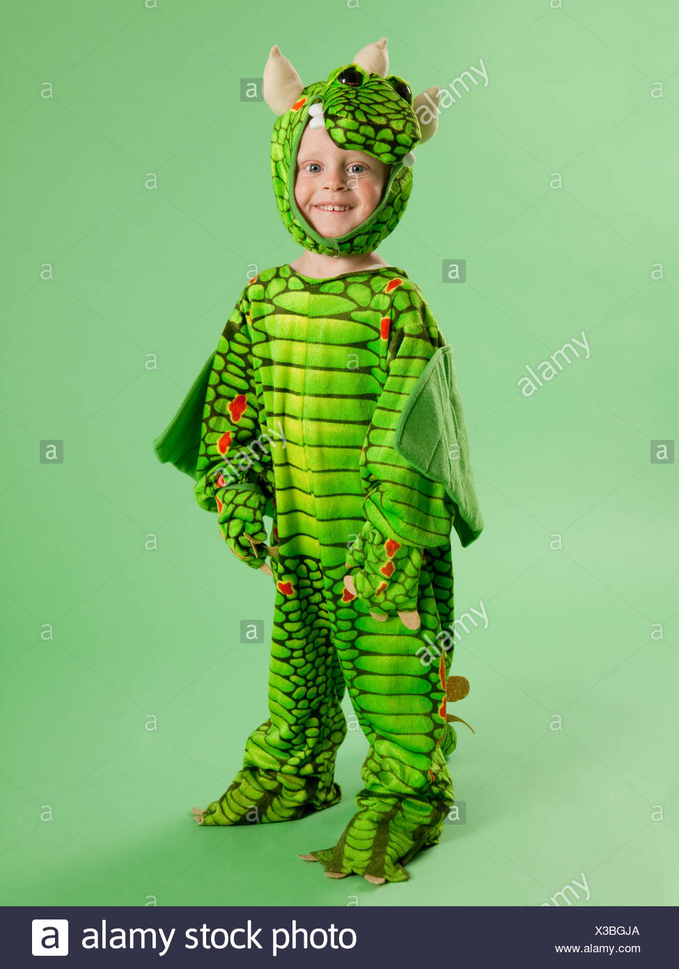 Portrait of boy (2-3) in dragon costume for Halloween - Stock Image  sc 1 st  Alamy & Dragon Costume Stock Photos u0026 Dragon Costume Stock Images - Alamy