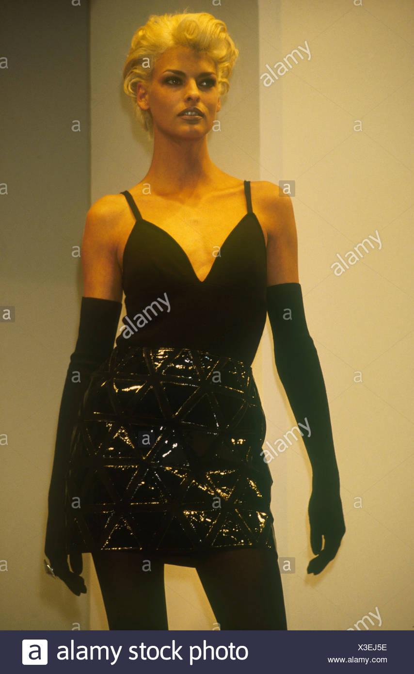 S Fashion Ferragamo Model Linda Evangelista Short Bleached Blonde Hair Wearing Black V Neck Vest Long Black Gloves Quilted Stock Photo Alamy
