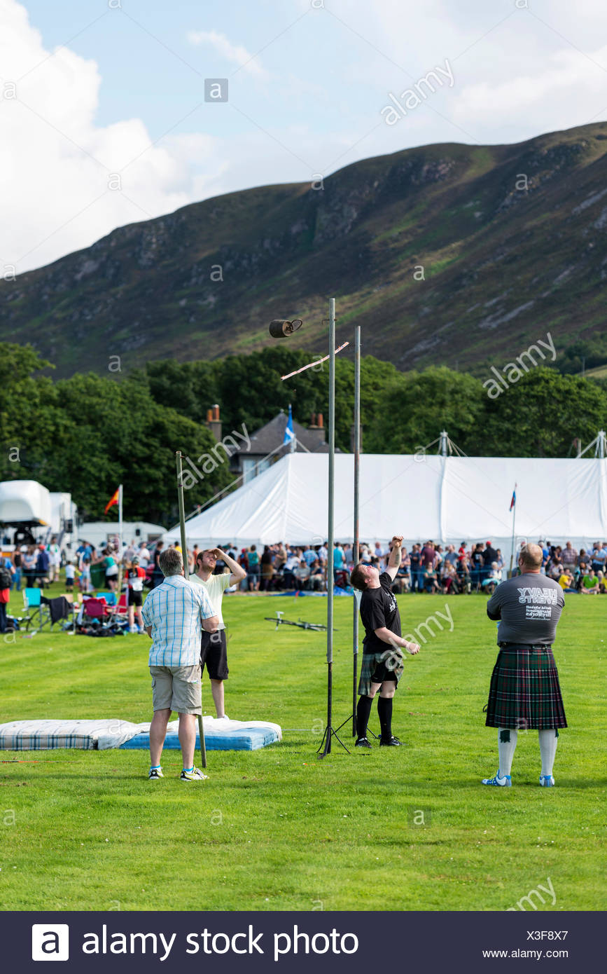 Weight over the bar, a sports discipline, Helmsdale Highland Games, Helmsdale, Sutherland, Scotland, United Kingdom, Europe - Stock Image