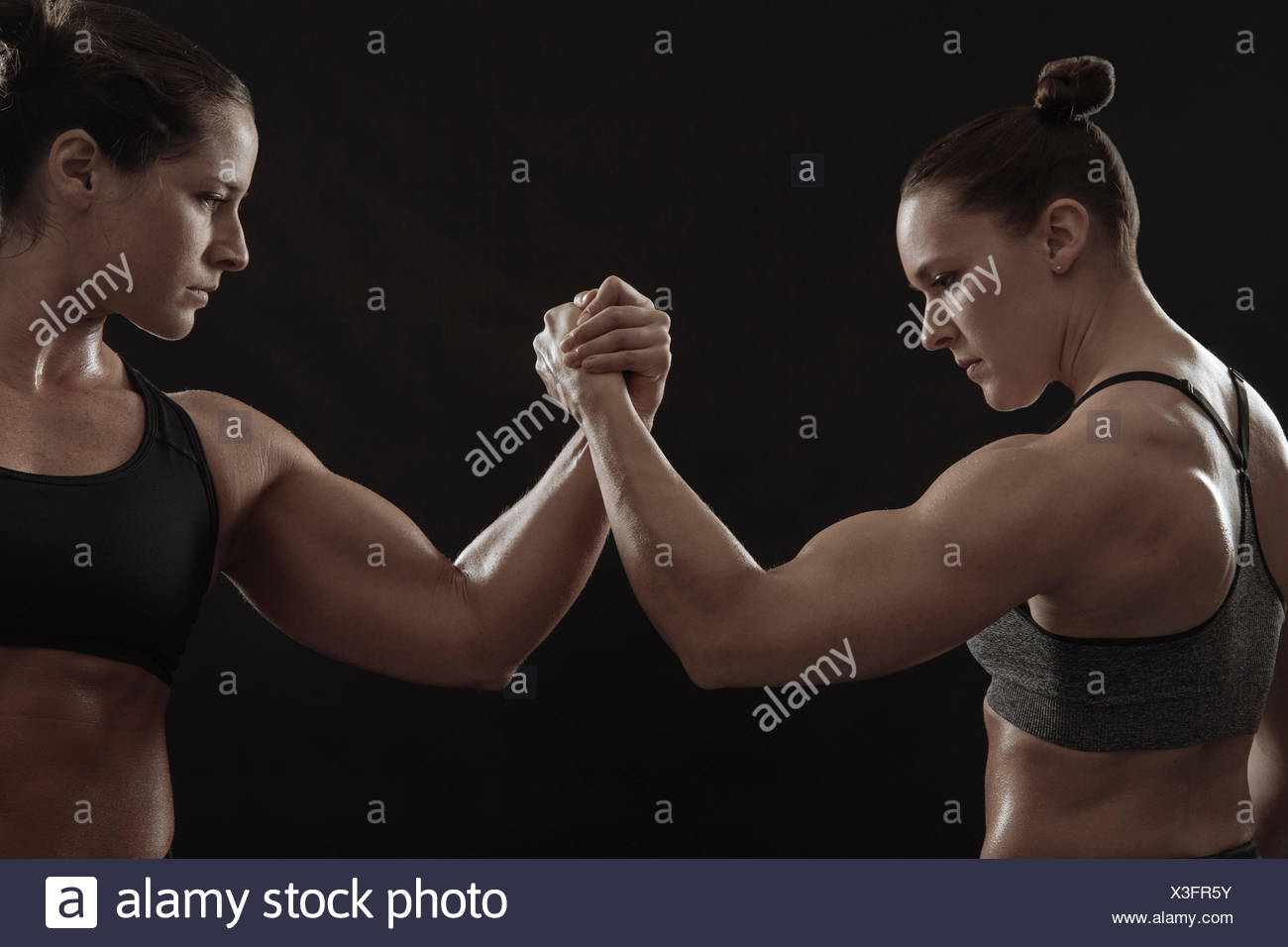 Women Arm Wrestling Stock Photos & Women Arm Wrestling Stock Images