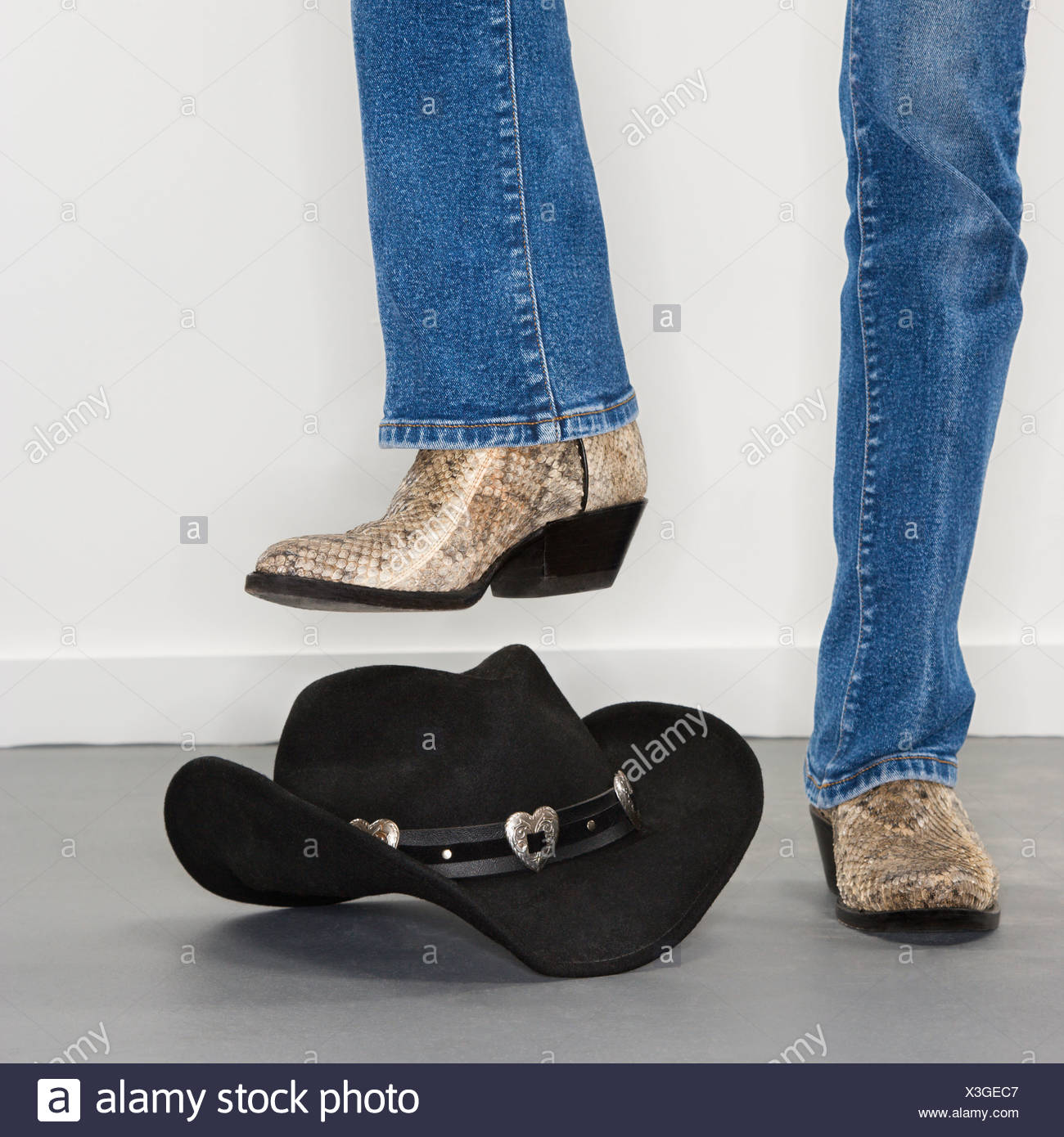 Person Wearing Cowboy Boots Stock Photos & Person Wearing ...