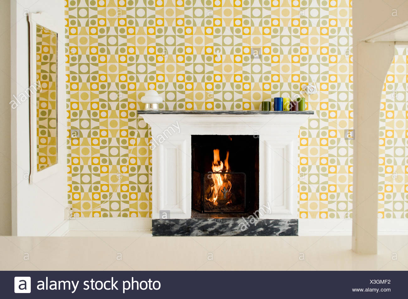Home interior with fire place - Stock Image