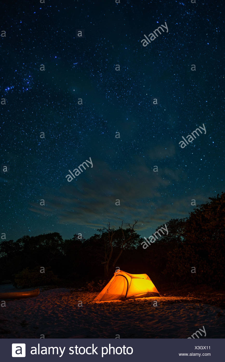 A campsite on Indian Key beach in Everglades National Park. - Stock Image