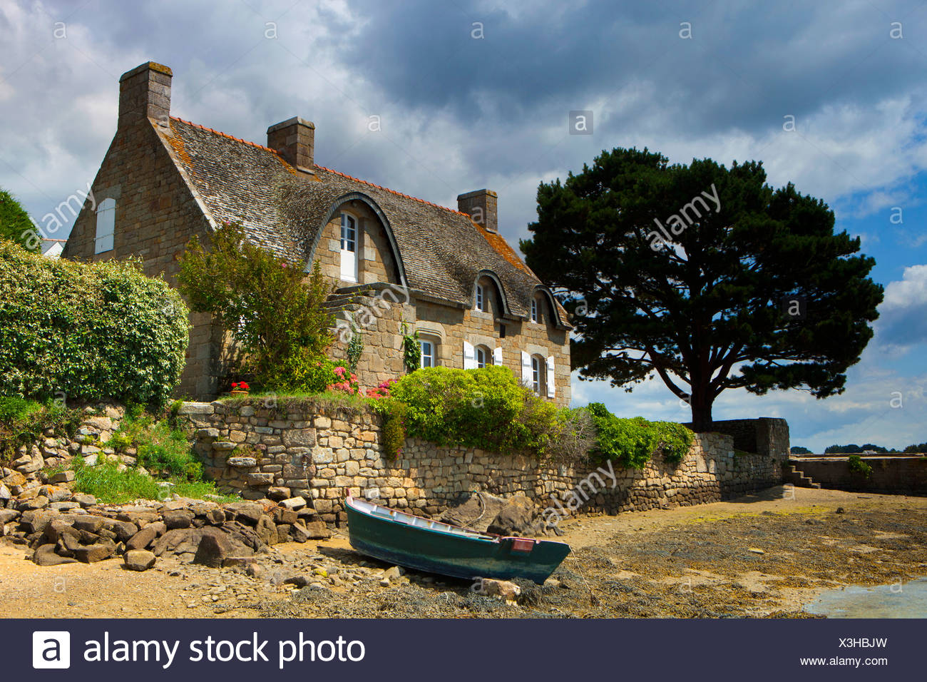 Saint Cado, France, Europe, Brittany, department Morbihan, house, home, boat - Stock Image
