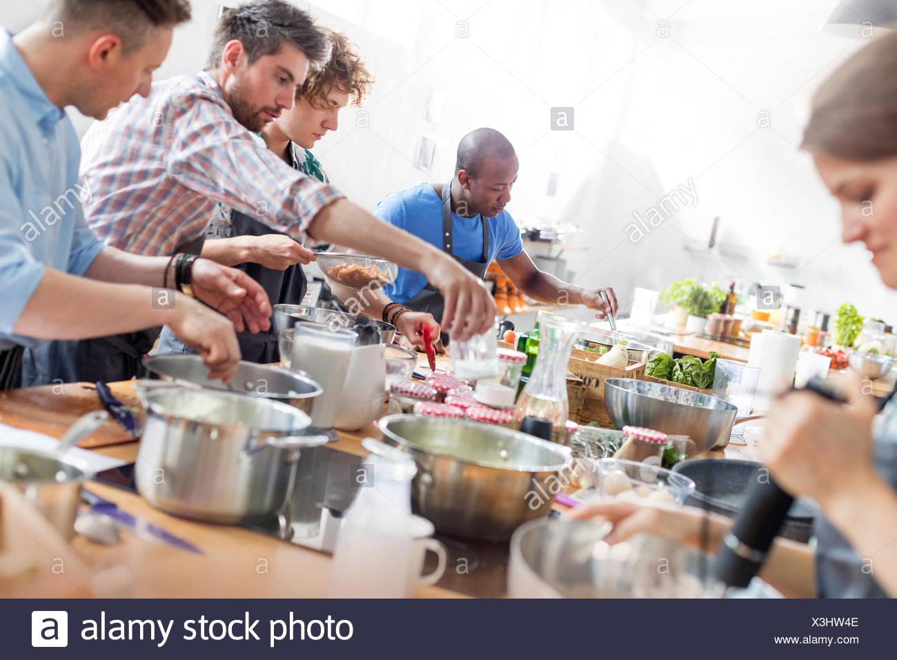 African Cooking Pot Stock Photos & African Cooking Pot Stock Images