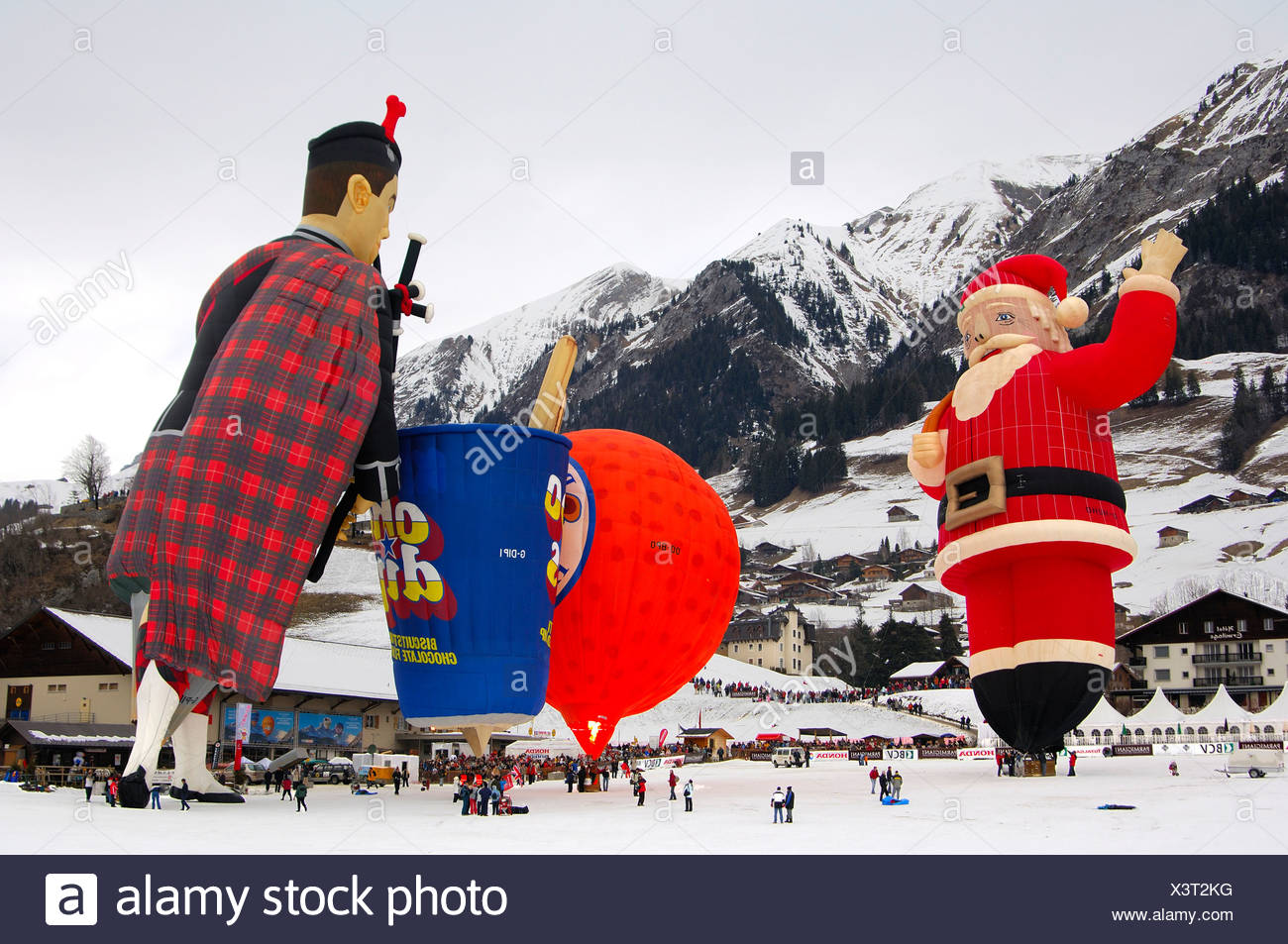 Hot-air balloons, special forms at the start position, from left to right, Santa-Claus SS, Papillon Cameron Orange-120 SS, Choc Stock Photo
