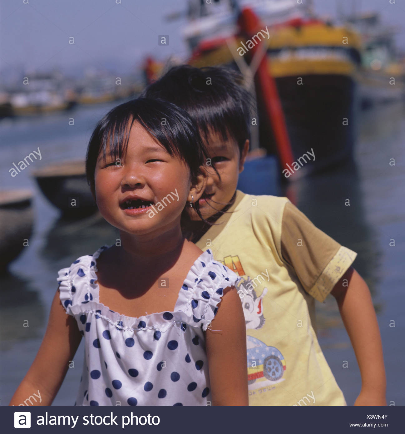 Vietnam, Mui the one, harbour, children, happy, half portrait, no