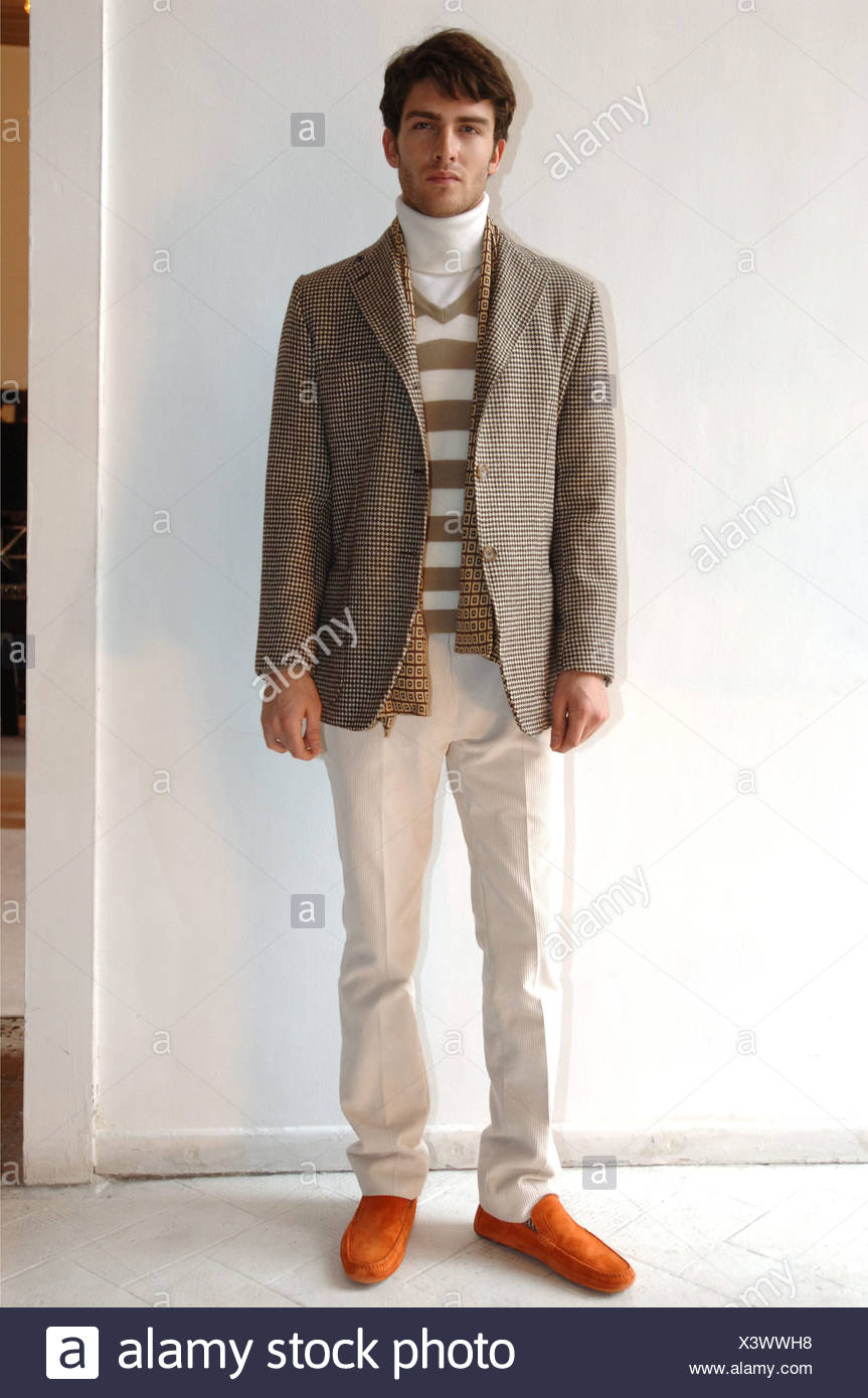 to wear - Wear to what with brown plaid blazer video