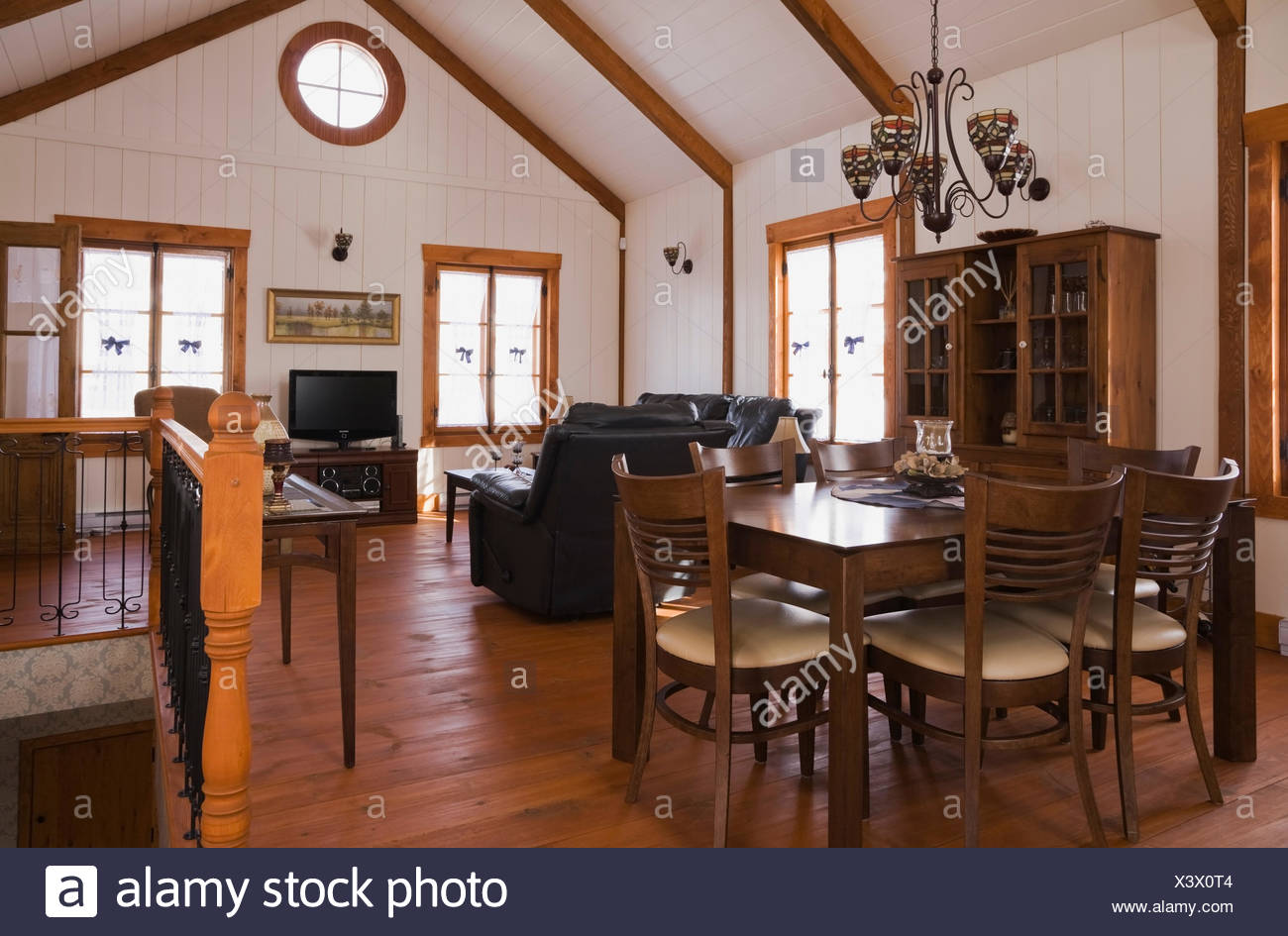 Dining/living room inside the extension a Canadiana cottage ...