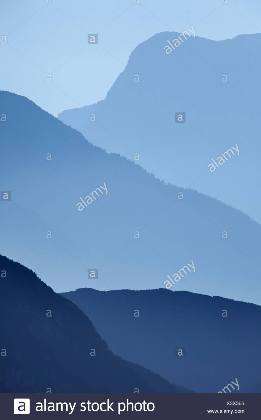 JULIAN ALPS - Part of the Italian section of the Julian Alps viewed from the Mangrt Pass. Slovenia - Stock Image