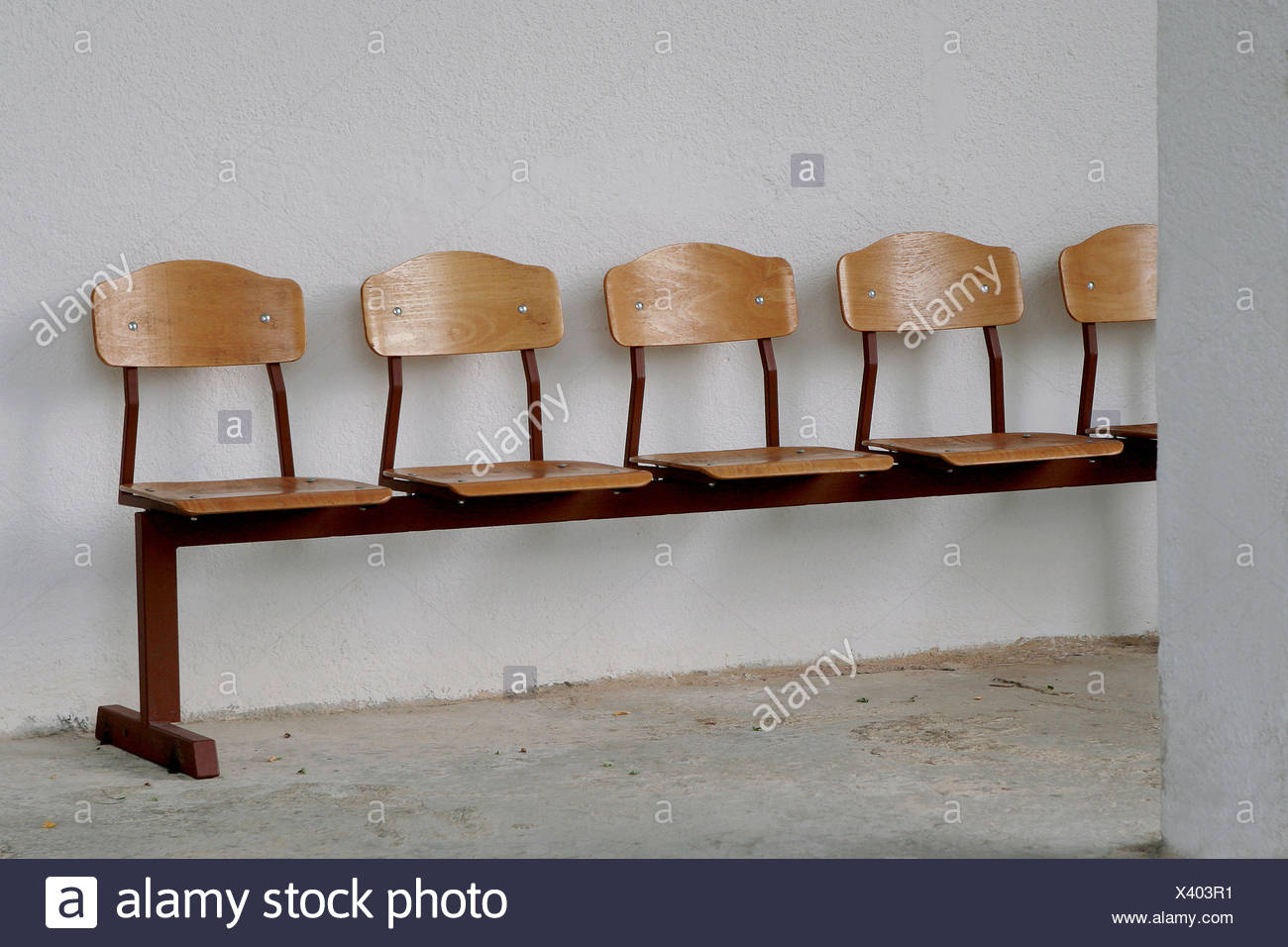 Miraculous Wooden Bench Waiting Room Lounge Stock Photo 277827509 Alamy Bralicious Painted Fabric Chair Ideas Braliciousco