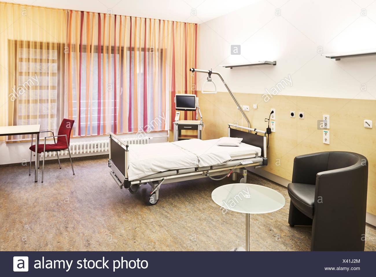 Krankenbett stock photos krankenbett stock images alamy for Leeres zimmer