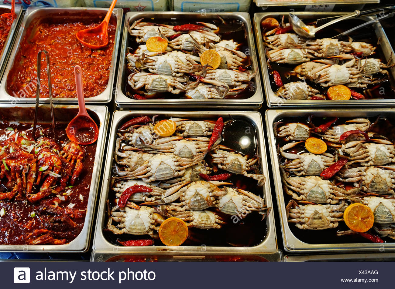 Korean food, cooked crabs, seafood at a market in Seoul, South Korea, Asia Stock Photo