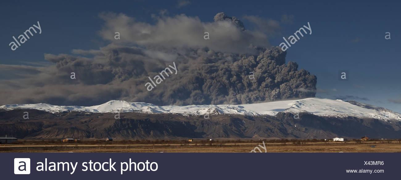 Volcanic Ash Cloud from Eyjafjallajokull Volcano Eruption, Iceland. - Stock Image