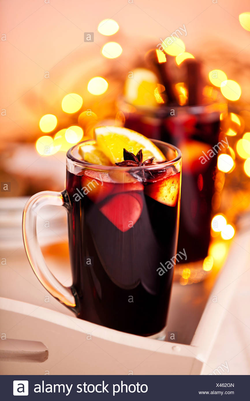 Two glasses of mulled wine on xmas background - Stock Image