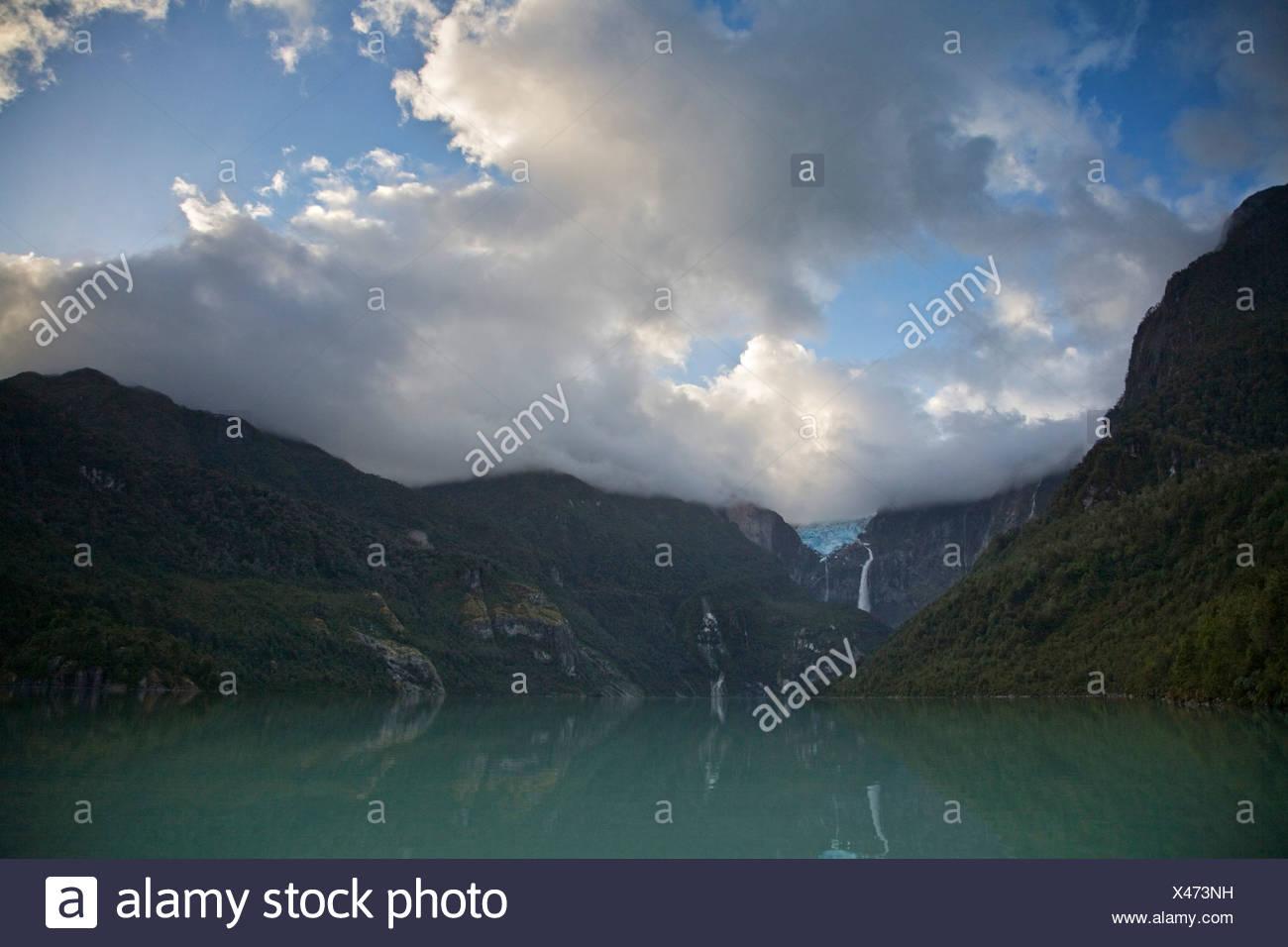 Laguna Tempanos and glacier Ventisquero Colgante, Park Queulat, Carretera Austral, Patagonia, Chile, South America - Stock Image
