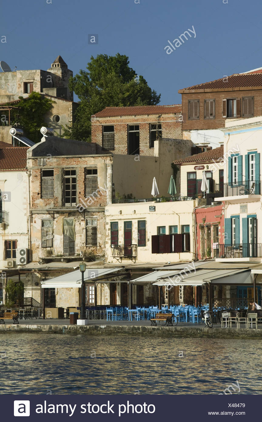 Griechenland, Kreta, Chania, Hafenpromenade, Restaurants, Morgens, - Stock Image