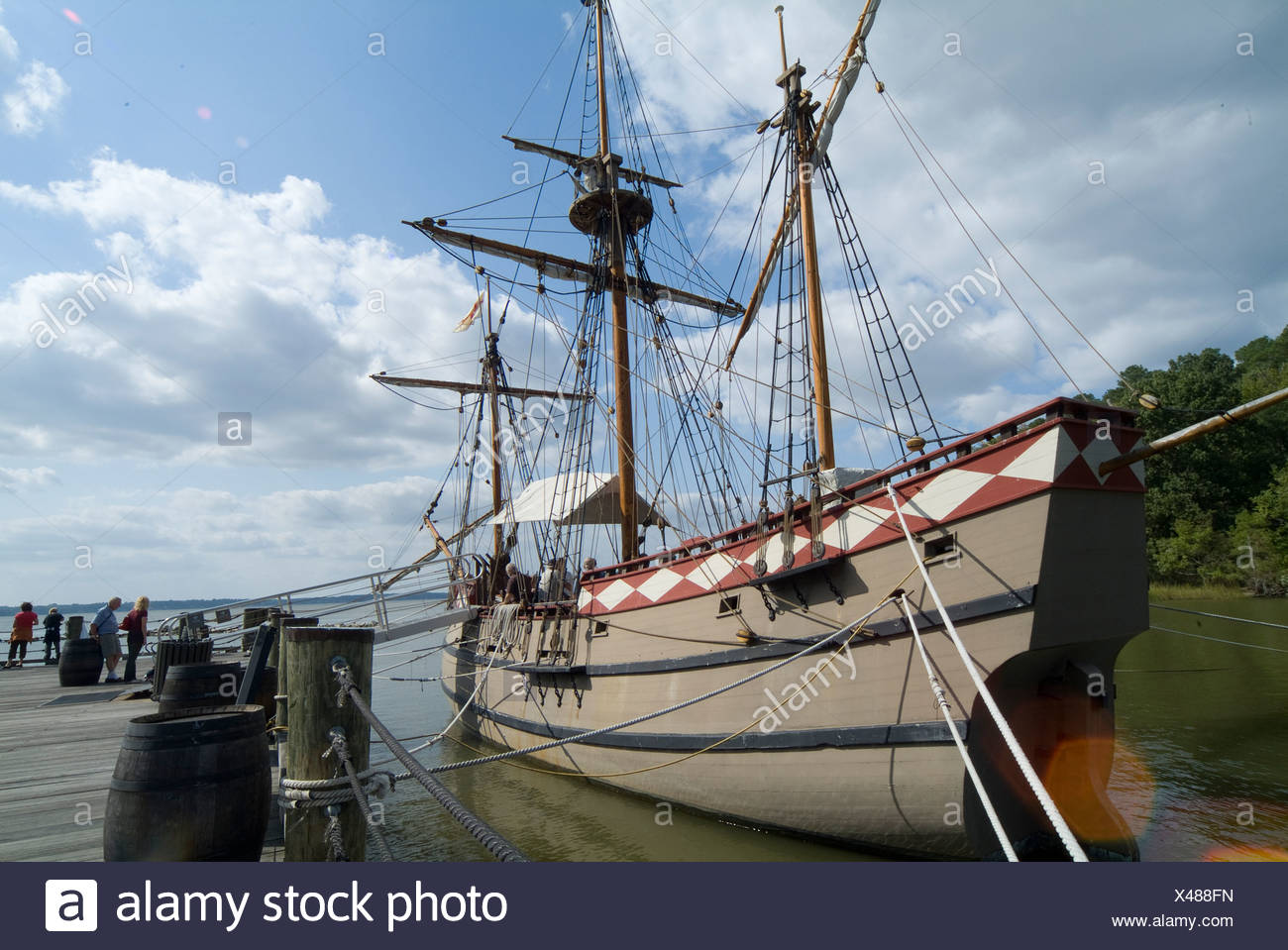 Jamestown Settlement's reconstructed ship. The Susan Constant - Stock Image
