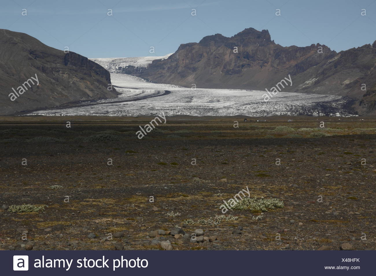 Skaftafellsjökull is one of the outlet glaciers (glacier tongues) of the Vatnajökull ice cap. Skaftafell - Stock Image