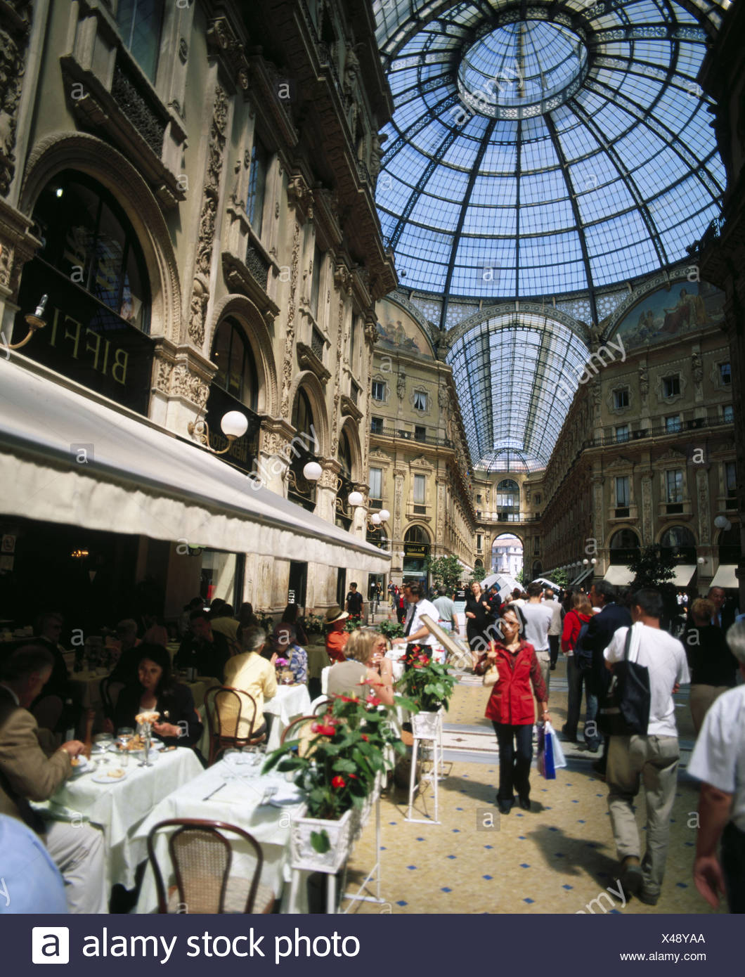 Emanuele Galleria Vittorio Italy Europe people Milan no model release - Stock Image