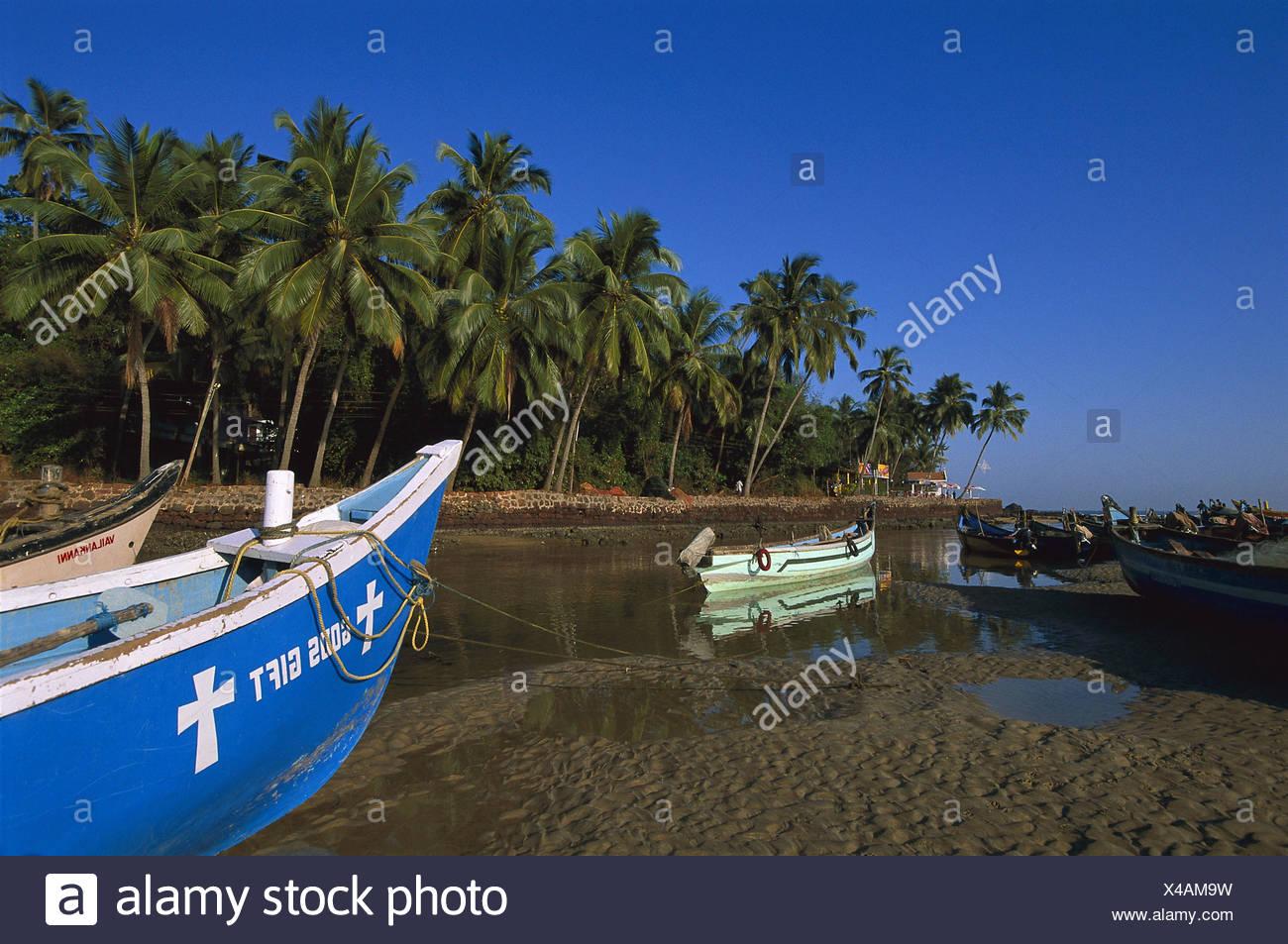 India, Goa, Bagga Beach, fishing boats, evening light Asia