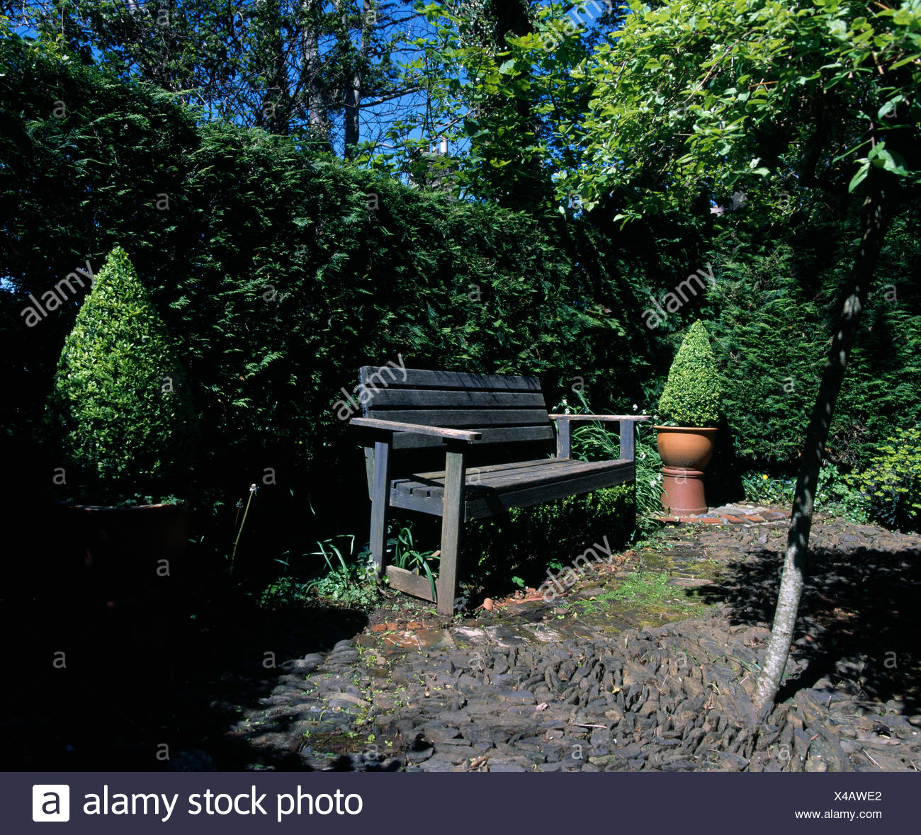 Groovy Side Patios Stock Photos Side Patios Stock Images Alamy Ibusinesslaw Wood Chair Design Ideas Ibusinesslaworg