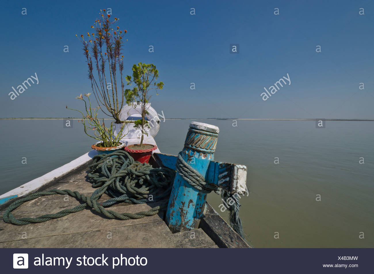 Bow of a rustic ferry-boat at Jorhat which takes more than one hour to cross the mighty Brahmaputra River, India, Asia - Stock Image