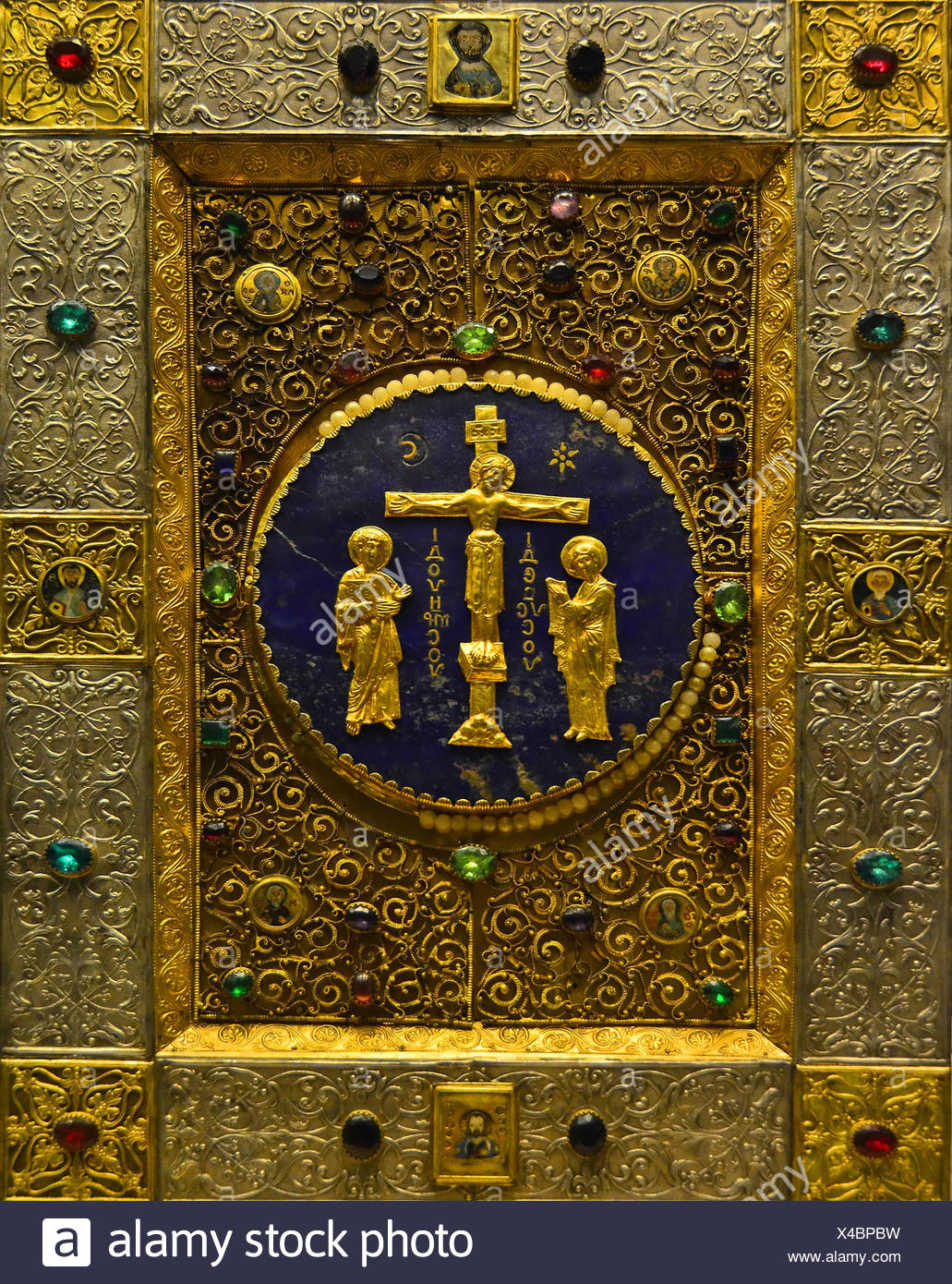 Priceless ancient byzantine gold bible box,decorated with large rubies and saphires - Stock Image