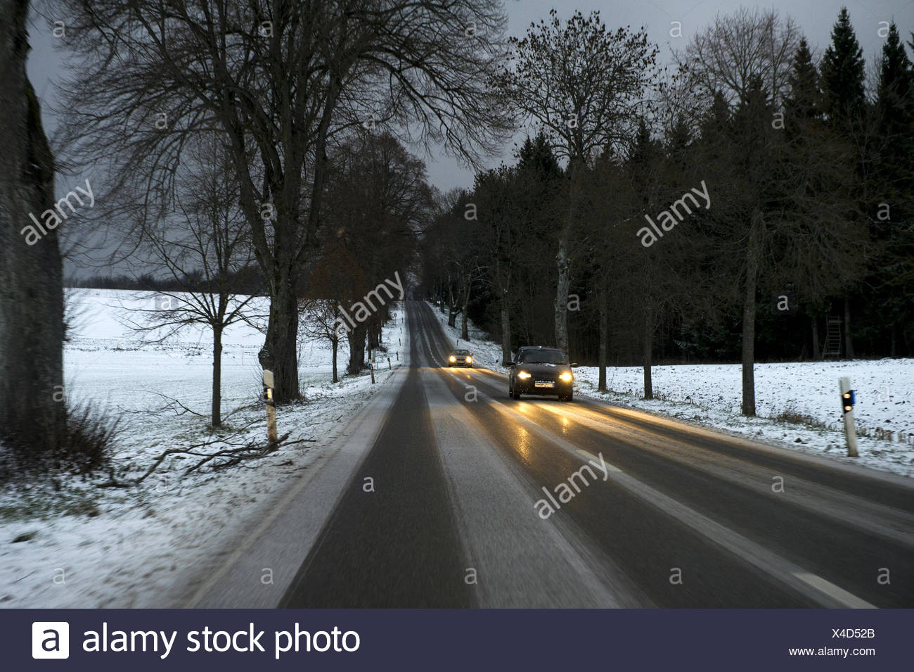 Wintry road conditions - Stock Image