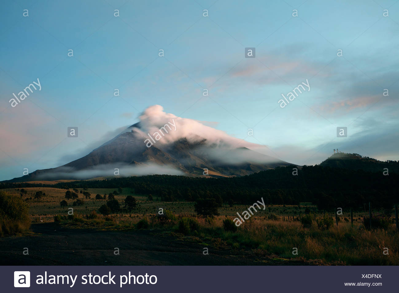 Popocatepetl volcanoe at sunrise. Estado de Mexico, Mexico Stock Photo