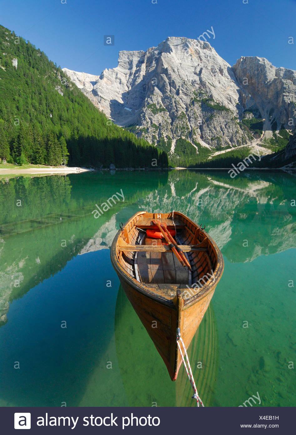 Pragser Wildsee Lago di Braies, Seekofel Croda di Brecco, Pustertal, South Tyrol, Italy Stock Photo