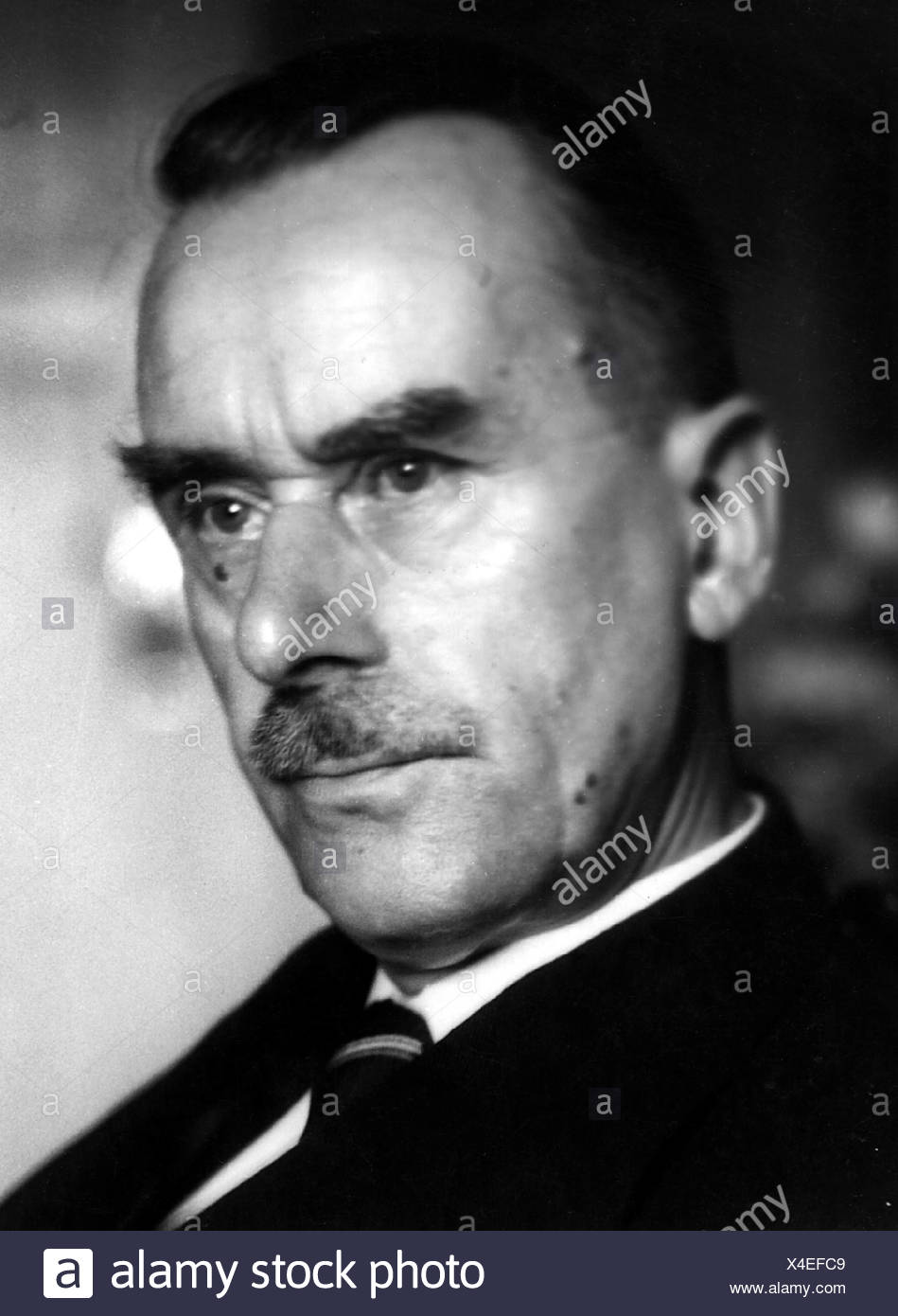 Mann, Thomas, 6.6.1875 - 12.8.1955, German author / writer, Nobel prize laureate for Literature 1929, portrait, Additional-Rights-Clearances-NA Stock Photo