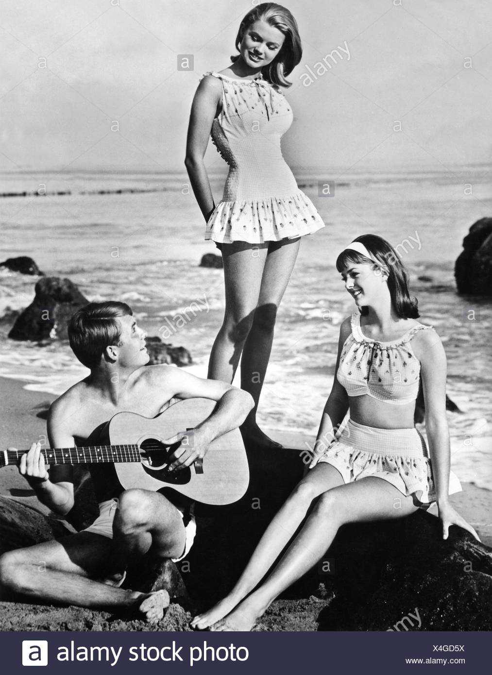 people, youth / teenager, group of teenagers on beach, 1965, , Additional-Rights-Clearances-NA - Stock Image