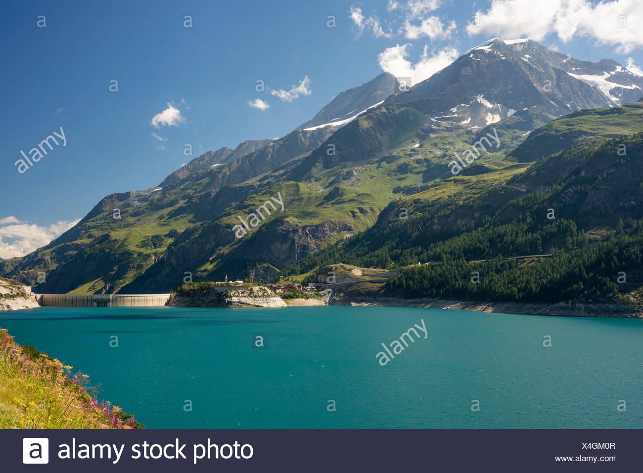 Lac du Chevril reservoir, Val-d'Isère valley, Savoie département, Rhône-Alpes region, France - Stock Image