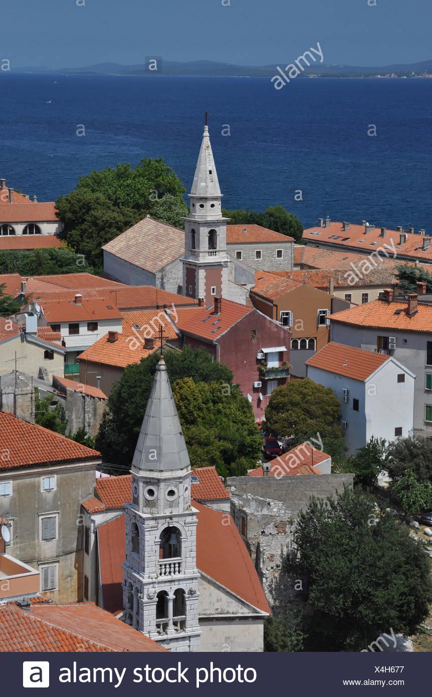 Zadar, Kroatien, dalmatien, stadt, balkan,dach, dächer,hafen, haus, häuser, kirche, kirchen, rundblick, balkan, südosteuropa, meer,mittelmeer, adria - Stock Image