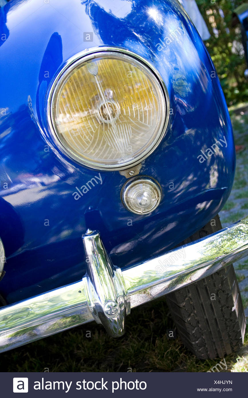 Headlights of a Bugatti, rarity from the Schlumpf Collection, Mulhouse, France, at the Herkules Bergpreis 2009 mountain rally - Stock Image