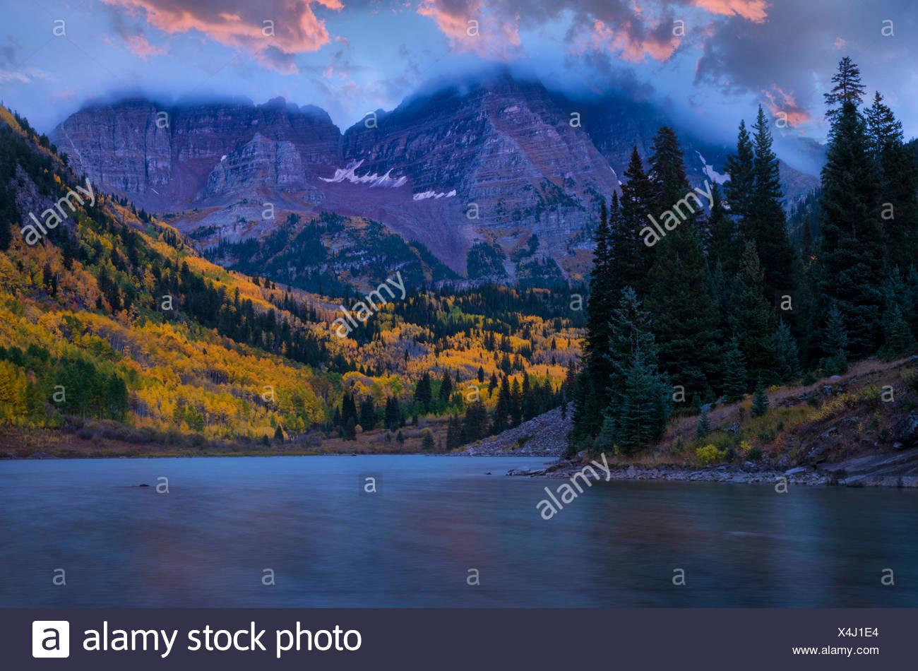 Colorado, Rockies, Aspen, Maroon lakes in autumn (m) - Stock Image